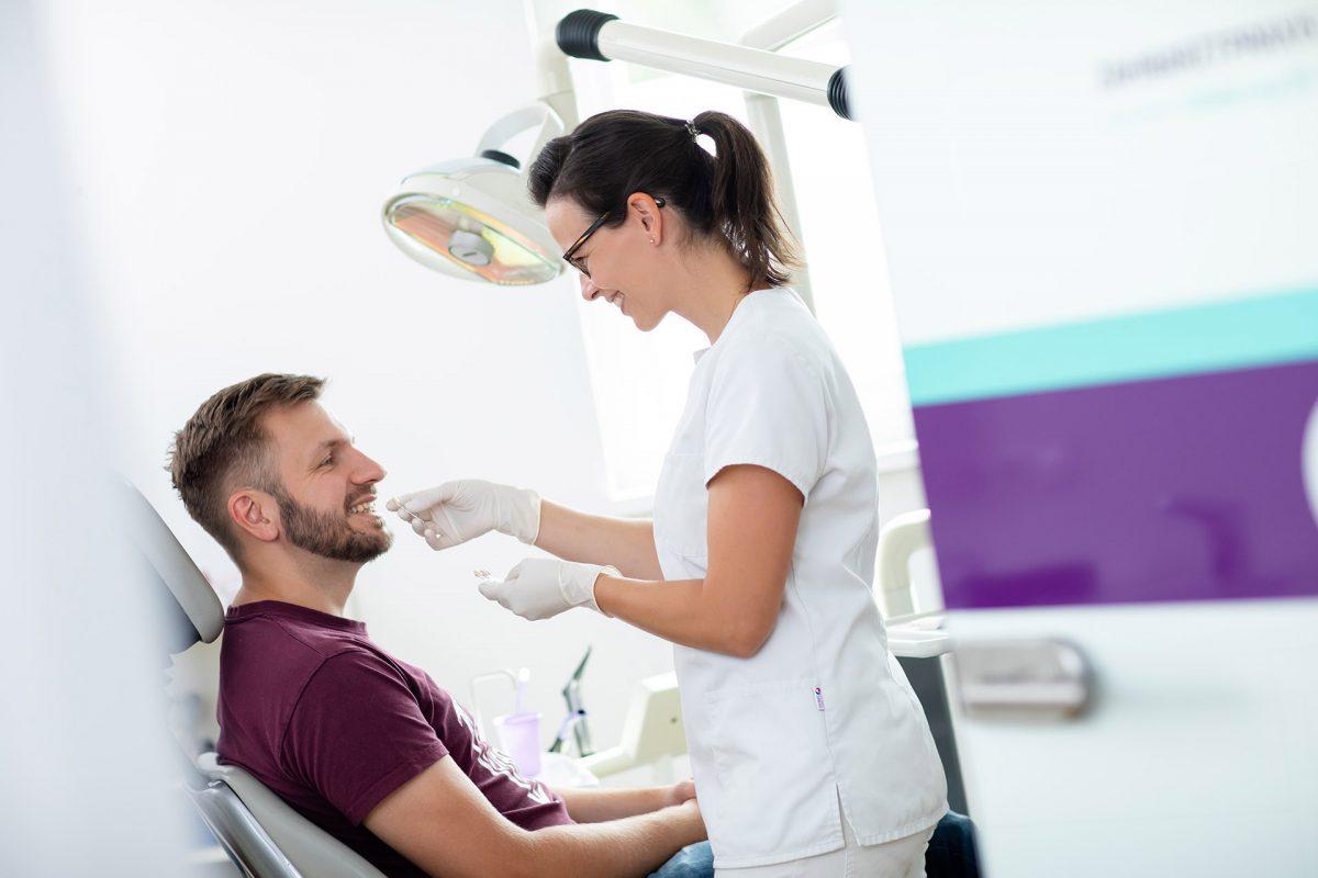 Zahnarztpraxis am Steinberg - Zahnfürsorge für Gross und Klein in Berlin Weissensee